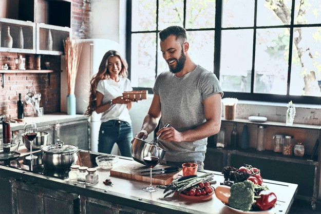 Cook up a Storm | Great First Date Ideas That Won't Break The Bank